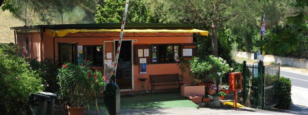 camping lago trasimeno cerquestra lake umbria toscana (24)