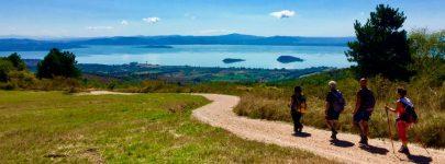 Cammino-terapia in sette tappe intorno al lago. Il debutto venerdì 6 aprile alle ore 18