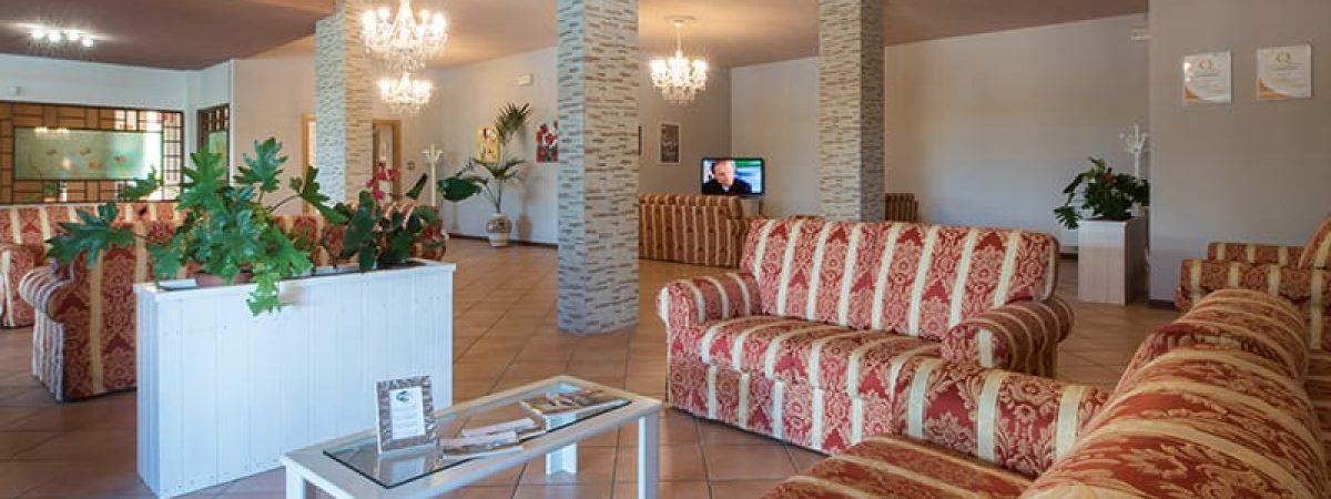 ampia_sala_hotel_torricella - Copia