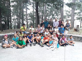 Ragazzi e genitori insieme a Montarale per salutare i centri estivi