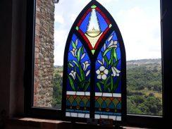 """Piegaro e San Sepolcro più vicini grazie al vetro  Con l'inaugurazione della mostra """"Di fiore in fiore"""""""