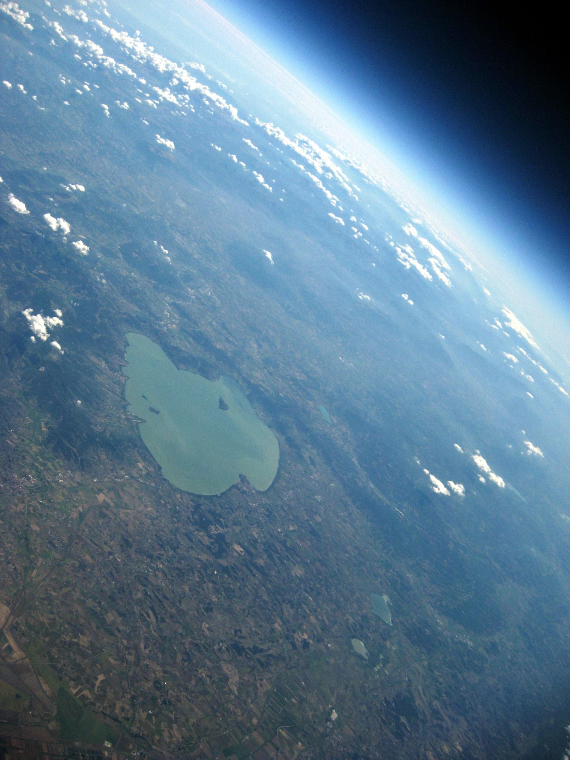 Lago Trasimeno visto dallo spazio
