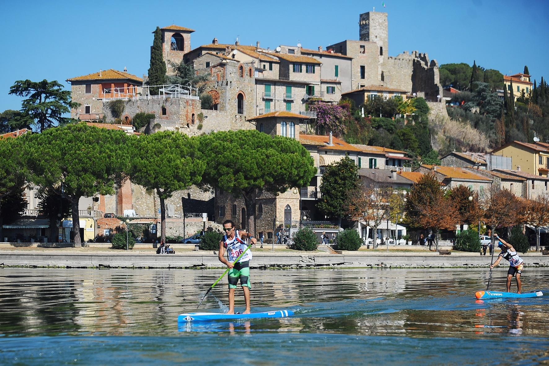 Cosa fare a Passignano sul Trasimeno - sporta acquatici - SUP