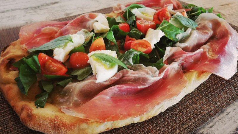 Ristorante Lido Solitario Pizza alla Pala